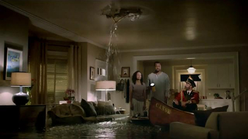 Hotels.com TV Spot, 'Flood' - Thumbnail 4