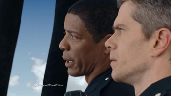 Wheat Thins Popped TV Spot, 'Air Chase' - Thumbnail 8