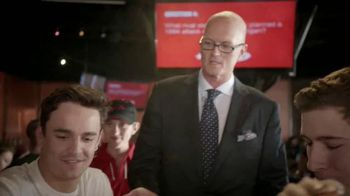 Pizza Hut WingStreet TV Spot, 'Pub Trivia' Featuring Scott Van Pelt