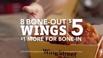 Pizza Hut WingStreet TV Spot, 'Pub Trivia' Featuring Scott Van Pelt - Thumbnail 9