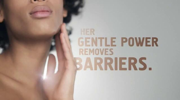 Cetaphil Cleaning Cloths TV Spot, 'Barriers' - Thumbnail 1