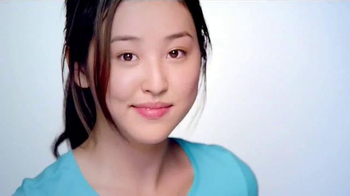 Clean & Clear 3-in-1 Foaming Acne Wash TV Spot - Thumbnail 9