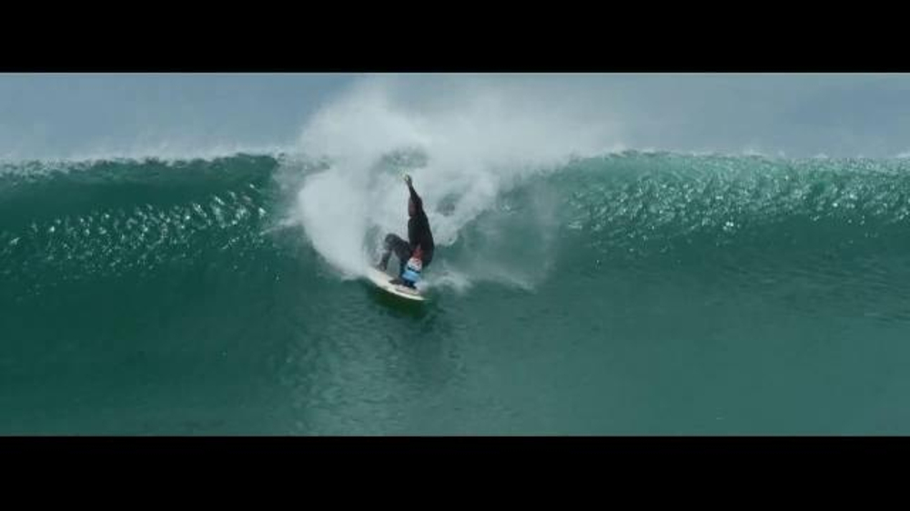 Travelocity TV Commercial, 'Roaming Gnome: Surfing'