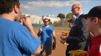 Pizza Hut WingStreet TV Spot, 'Rec League Softball Team' Ft. Scott Van Pelt - Thumbnail 6