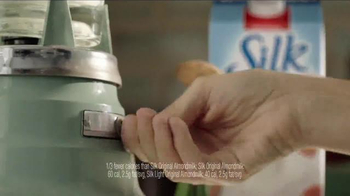 Silk Almond Milk Light TV Spot, 'Smoothie' - Thumbnail 4
