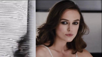Coco Chanel Mademoiselle TV Spot, 'Chase' Featuring Keira Knightley - Thumbnail 1