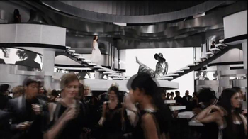 Coco Chanel Mademoiselle TV Spot, 'Chase' Featuring Keira Knightley - Thumbnail 2