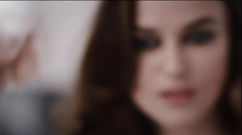 Coco Chanel Mademoiselle TV Spot, 'Chase' Featuring Keira Knightley - Thumbnail 3
