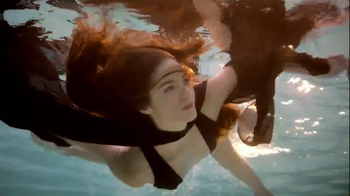 Aria Hotel and Casino TV Spot, 'Grownup Pool Parties' Song by Club 8 - Thumbnail 6