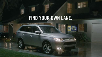 2014 Mitsubishi Outlander TV Spot, 'Rainy Delivery' - 1873 commercial airings