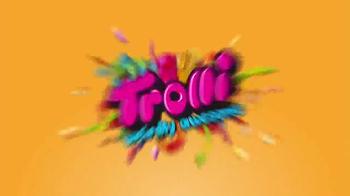 Trolli Sour Brite Crawlers TV Spot, 'Dinner Table' - Thumbnail 6