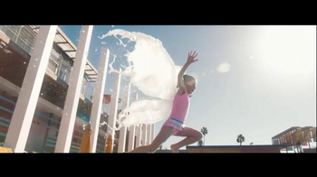 Milk Life TV Spot, 'Water Wings' - Thumbnail 6