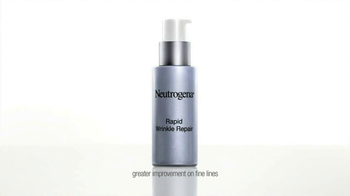 Neutrogena Rapid Wrinkle Repair TV Spot Featuring Julie Bowen - Thumbnail 4