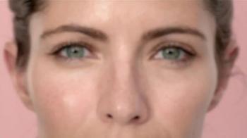 Garnier 5 Sec Blur TV Spot, 'Blur Away Flaws' - Thumbnail 2