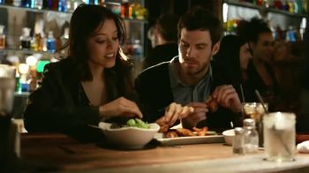 Taco Bell $1 Loaded Grillers TV Spot, 'Novia' Letra por Leagues [Spanish] - 467 commercial airings