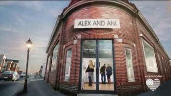 Alex and Ani Super Bowl 2014 TV Spot, 'Main Street America'