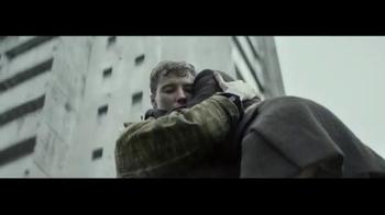 Axe Super Bowl 2014 TV Spot, 'Make Love, Not War' - Thumbnail 5