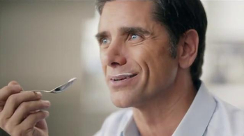 Dannon Oikos Super Bowl 2014 TV Spot, 'The Spill' Feat. John Stamos - Thumbnail 4
