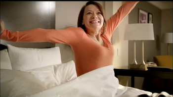 LaQuinta Inns and Suites TV Spot, 'Gorilla in the Room' - Thumbnail 4