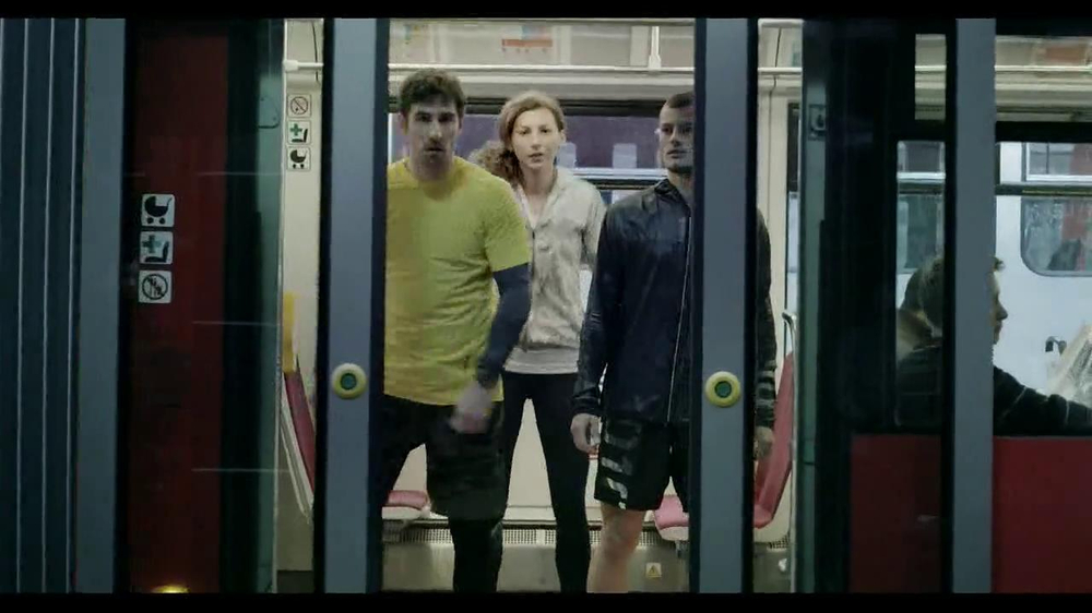 Reebok ZQuick TV Commercial, 'Race the City'