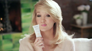 Almay Smart Shade TV Spot Featuring Carrie Underwood - Thumbnail 4
