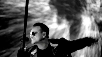 Bank of America Super Bowl 2014 TV Spot, 'U2 Concert' - Thumbnail 3