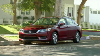 2014 Honda Accord LX TV Spot, 'Mala Conexión' [Spanish] - Thumbnail 8