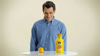 Minute Maid Pure Squeezed TV Spot, 'Hug It Out' Featuring Ty Burrell - Thumbnail 5