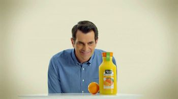 Minute Maid Pure Squeezed TV Spot, 'Hug It Out' Featuring Ty Burrell - Thumbnail 7
