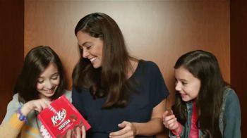 KitKat TV Spot, 'Cabina de Fotos' [Spanish] - 543 commercial airings