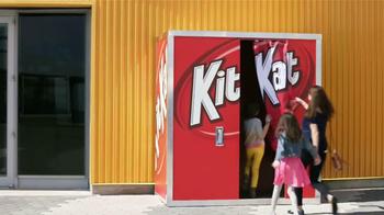 KitKat TV Spot, 'Cabina de Fotos' [Spanish] - Thumbnail 5