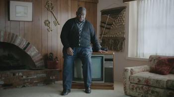 Esurance TV Spot, 'Outdated Bargain Hunter' - Thumbnail 4