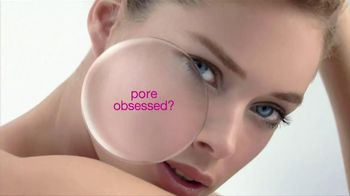 L'Oreal Paris Youth Code Pore Vanisher TV Spot, 'Pore-Obsessed' Featuring Doutzen Kroes