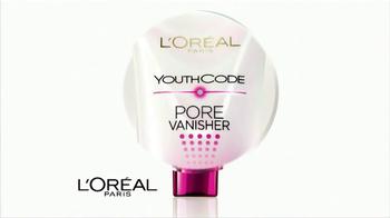 L'Oreal Paris Youth Code Pore Vanisher TV Spot, 'Pore-Obsessed' Featuring Doutzen Kroes - Thumbnail 5