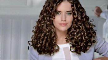 John Frieda Frizz Ease TV Spot, 'No More Frizz' - Thumbnail 9
