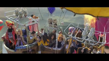 Perrier Sparkling Water TV Spot, 'Hot Air Balloons' - Thumbnail 5
