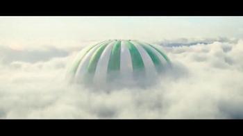 Perrier Sparkling Water TV Spot, 'Hot Air Balloons' - Thumbnail 7