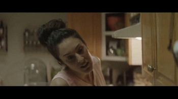Houzz TV Spot, 'Hug or Mug?' - Thumbnail 4