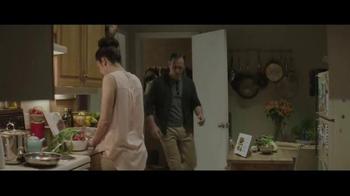Houzz TV Spot, 'Hug or Mug?' - Thumbnail 5