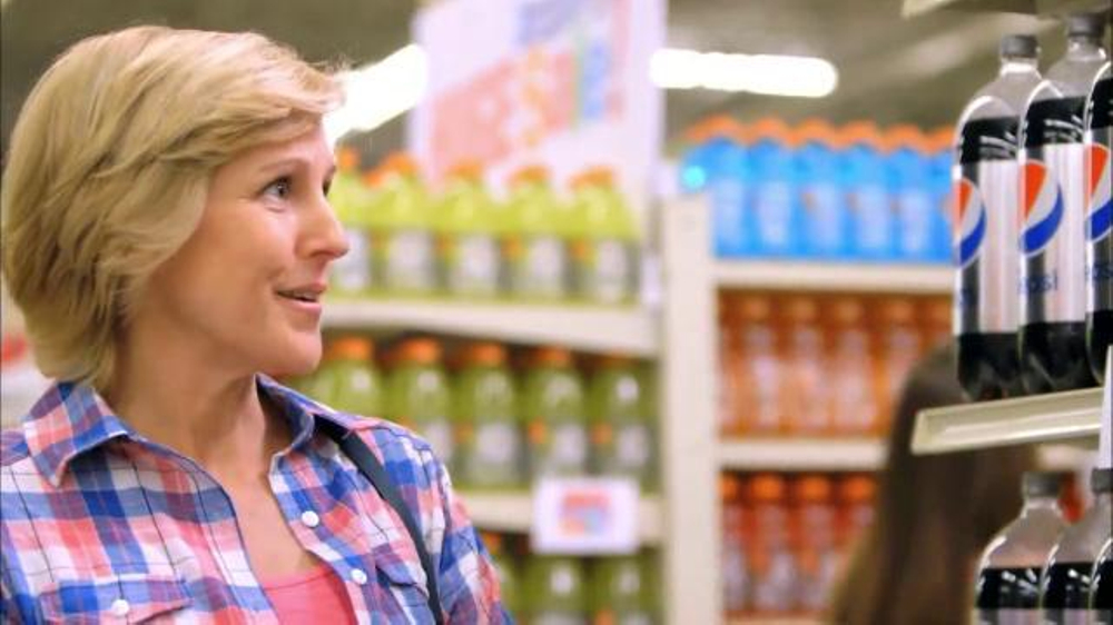 Albertsons Huge Anniversary Sale TV Commercial, 'Chicken and Snacks'