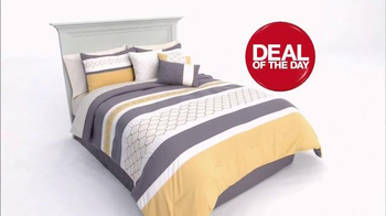 Macy's One Day Sale TV Spot, 'Fine Jewelry, Shoes and Bedding' - Thumbnail 5