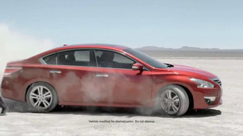 Nissan Bottom Line Model Year-End Event TV Spot, 'Good Look' - Thumbnail 1