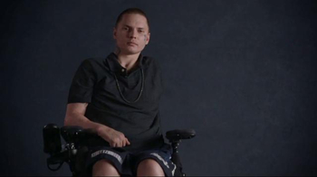 Gary Sinise Foundation TV Spot, 'Who Helps a Hero'