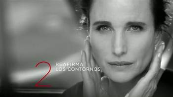 L'Oreal Paris Revitalift TV Spot, 'Acércate' con Andie MacDowell [Spanish] - Thumbnail 5