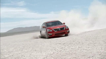 Nissan Bottom Line Model Year-End Event TV Spot, 'Redesigned' - Thumbnail 6