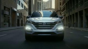 Hyundai Tucson TV Spot, 'Acto heroico' [Spanish] - Thumbnail 6