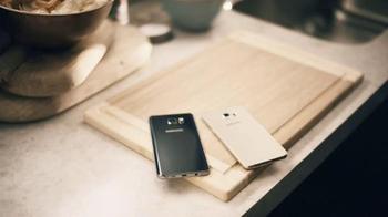 Samsung Note5 & Galaxy S6 Edge+ TV Spot, 'Big Decisions: Chrissy Teigen' - Thumbnail 1