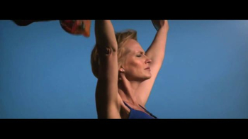 Ford Warriors in Pink TV Spot, 'Models of Courage' - Thumbnail 3