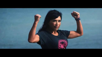 Ford Warriors in Pink TV Spot, 'Models of Courage' - Thumbnail 4