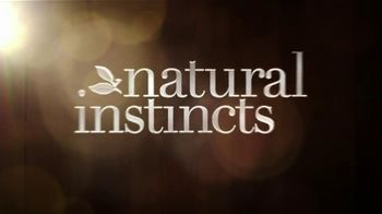 Clairol TV Spot, 'Natural Instinct' Featuring Giada De Laurentiis - Thumbnail 3